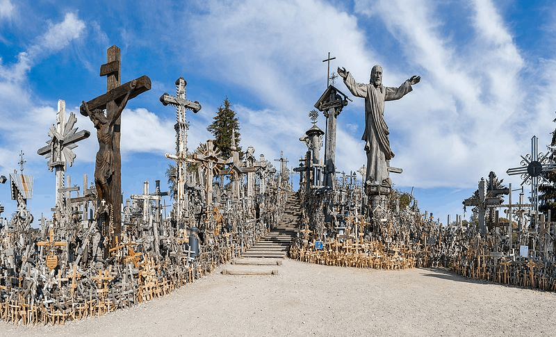 Top 30 Haunted Travel Destinations Around the World